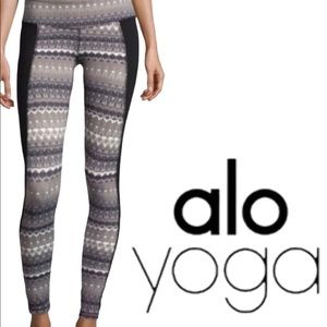 Alo Illusion 3 Nordic Tribal Print Yoga Leggings S